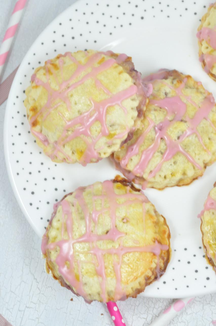 Rezept für Kirsch-Mascarpone-Pies! Perfekt für den Muttertag! Einfach zu machen und total lecker. Schau auf dem Blog und druck dir das Rezept aus!