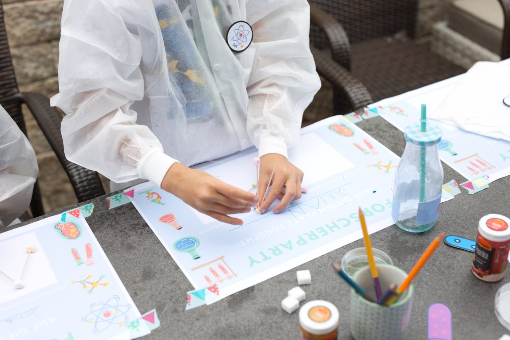 Forschergeburtstag: Ideen, Experimente, Spiele, Rezepte und Einladung: alles was du für einen spannenden Forschergeburtstag brauchst.