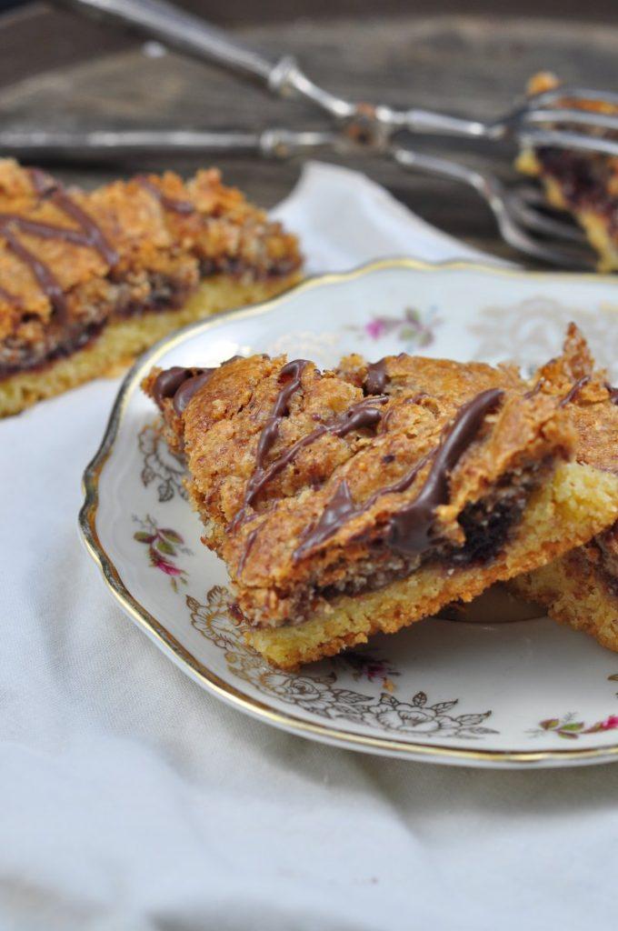 Original wie von Oma frisch gebacken, schmecken diese Nussecken. Hier bekommst du das Rezept.
