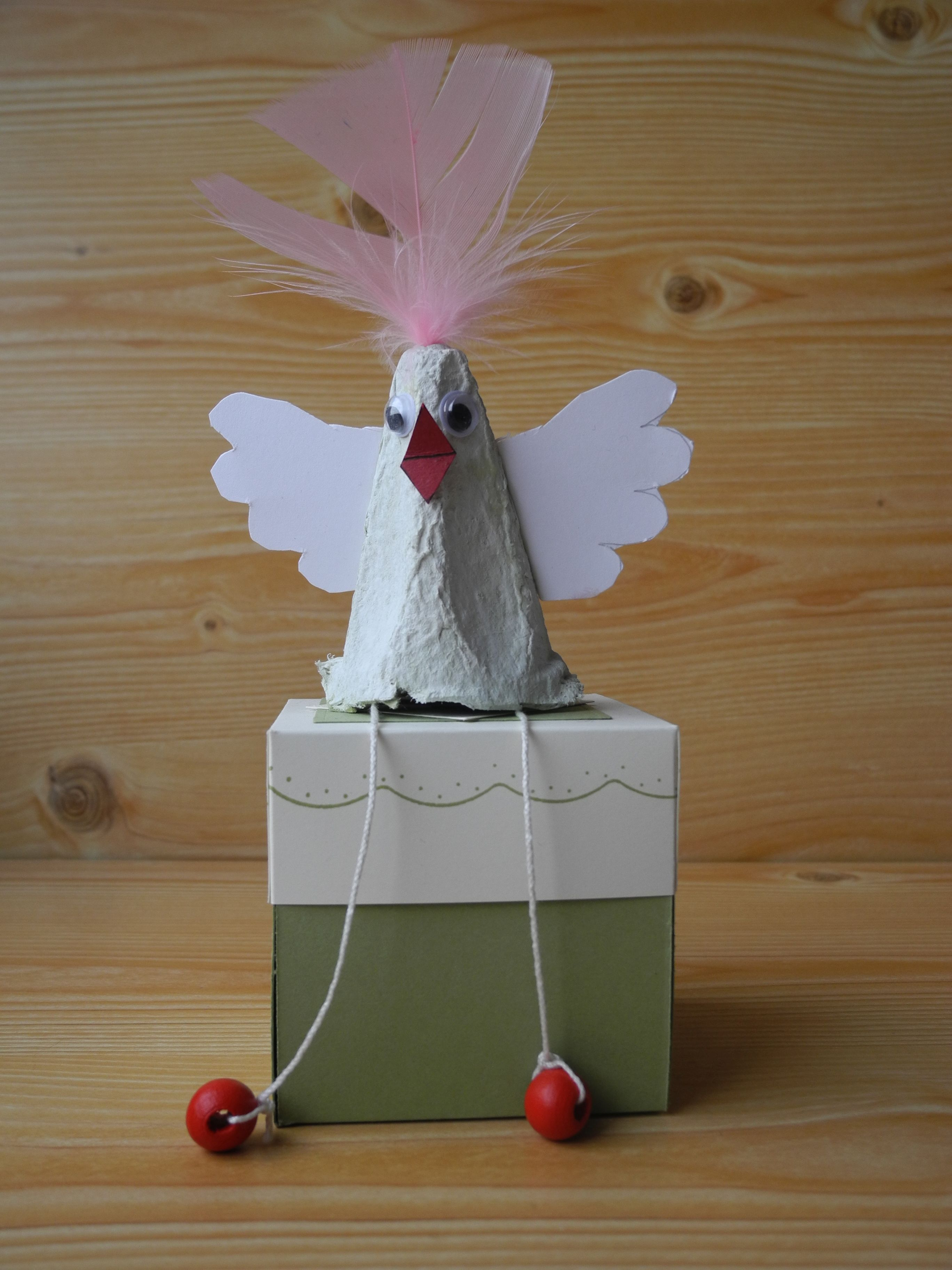 Huhn aus Eierkarton