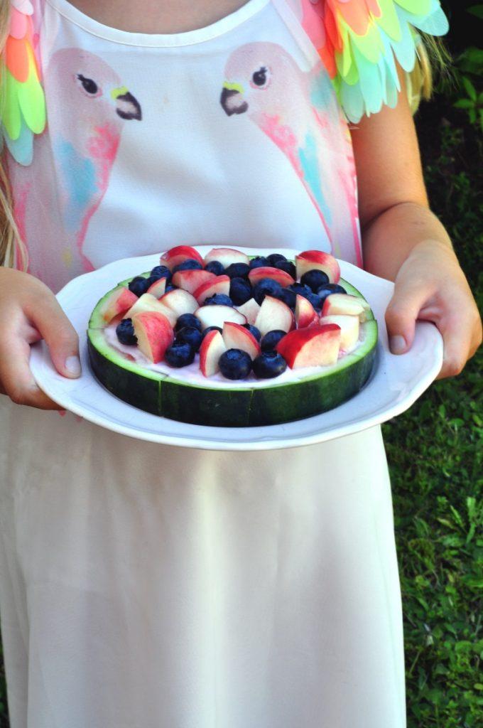 Ein frischer Sommersnack ist diese Melonenpizza. Hier geht es zum Rezept.