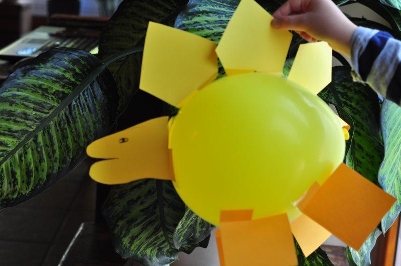 Luftballondinos - Dinoparty! Die besten Ideen für eine gelungene Dino-Party: Rezepte, Bastelideen, Spiele rund um den Dino-Kindergeburtstag. Finde hier alles für einen rundum gelungenen Dino-Geburtstag