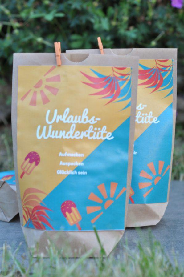 Für Kinder der Knaller: die Urlaubsüberraschungstüte ist voll mit kleinen Überraschungen die man während der Reise auspacken kann. Die Vorlage findest du auf meinem Blog zum Download.