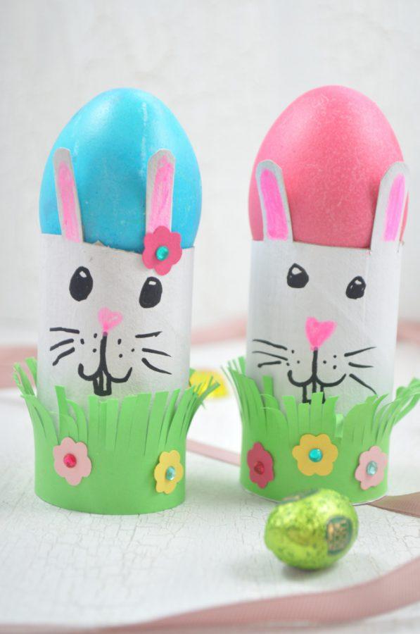 Perfekte Eierbecher für Ostern: da basteln Kinder gerne mit! Die lustigen Hasen sind der beste Platz für Ostereier.