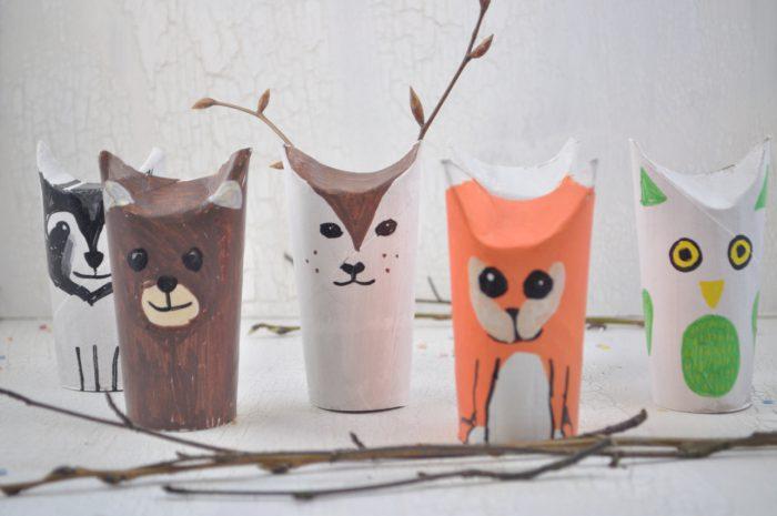 Tiere aus Klopapierrollen basteln macht Spaß und geht so einfach. Wir basteln Waldtiere mit den Kindern.